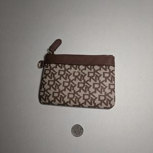 DKNY cluth/pouch